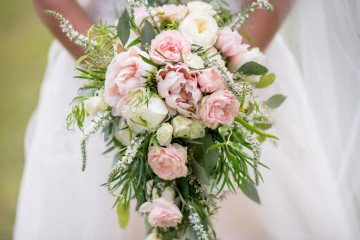 blooming-blur-bouquet-1476389-1024x684